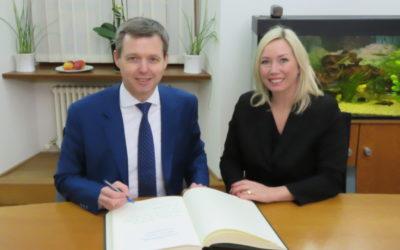 Gundelfingen und Parlamentarischer Staatssekretär heißen Rückkehrer willkommen